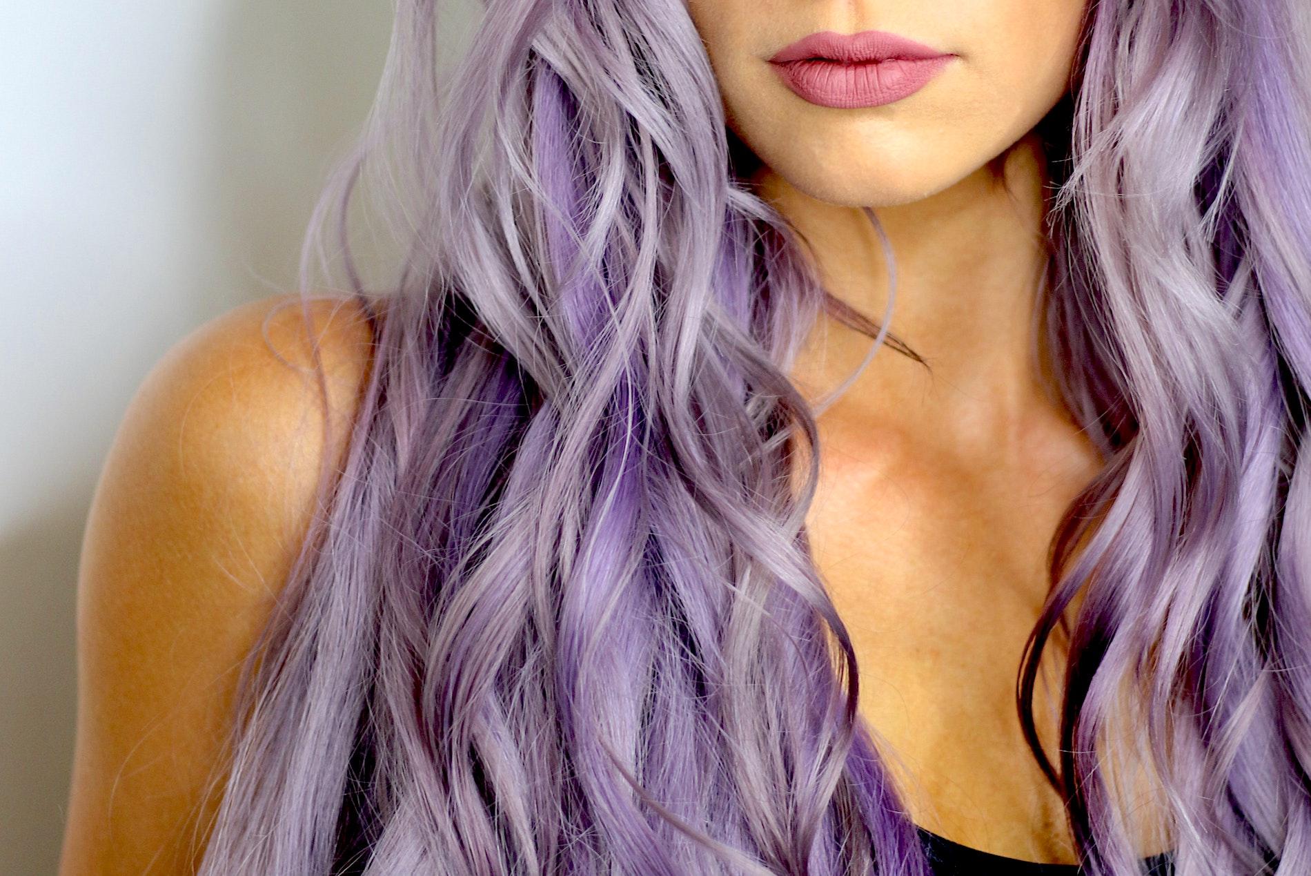 Враги окрашенных волос: 8ошибок вуходе, которые «убивают» цвет